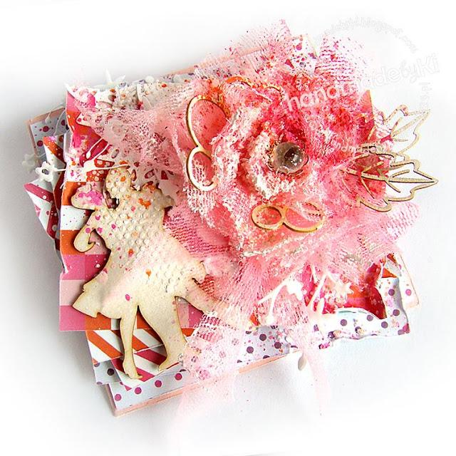 kartka ręcznie robiona w różnych odcieniach różu
