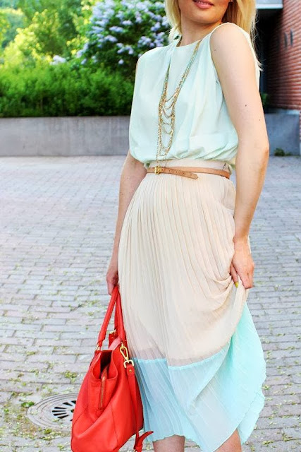 street style: chic pastel outfit