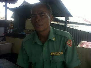 Di Aceh Singkil, Kantor Desa Siatas Rusak. Kepdes Layani Warganya Di Rumah