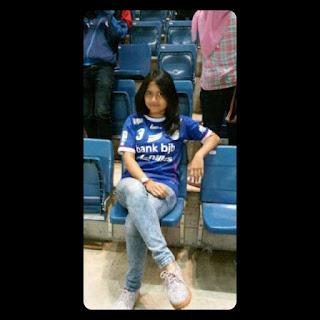Foto Bobotoh Cantik Persib Bandung