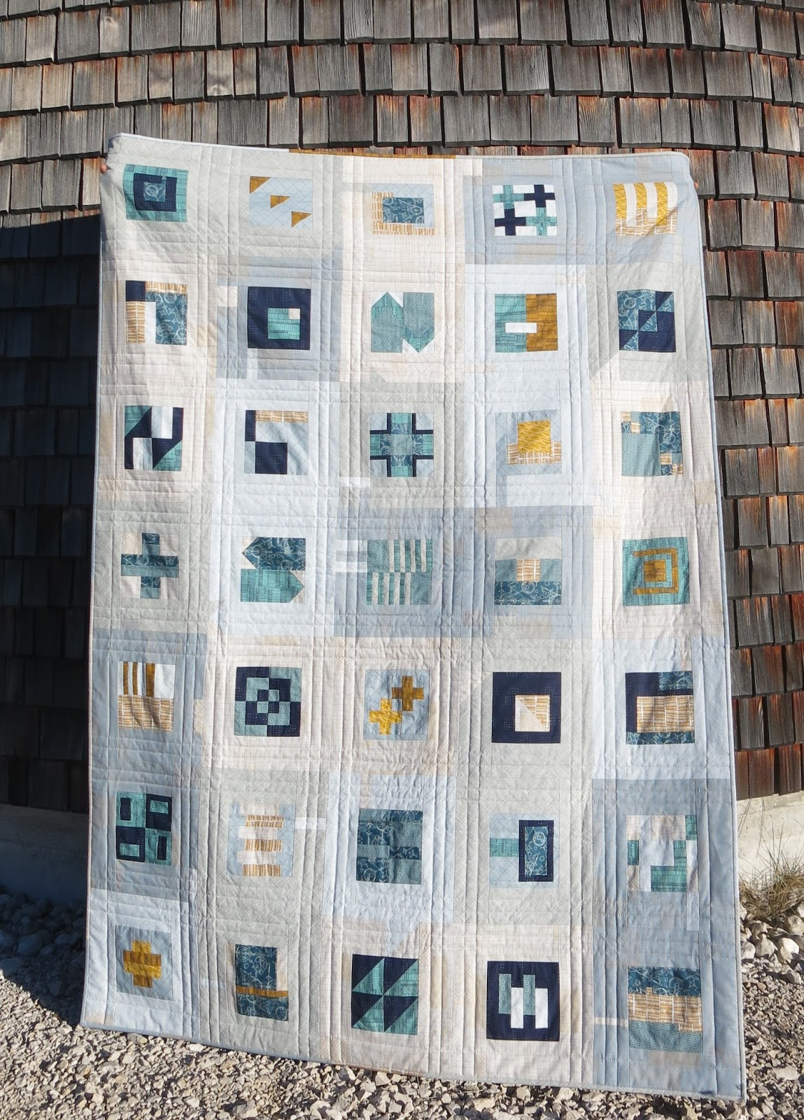 Luna lovequilts modern sampler a finished quilt for Modern house quilts
