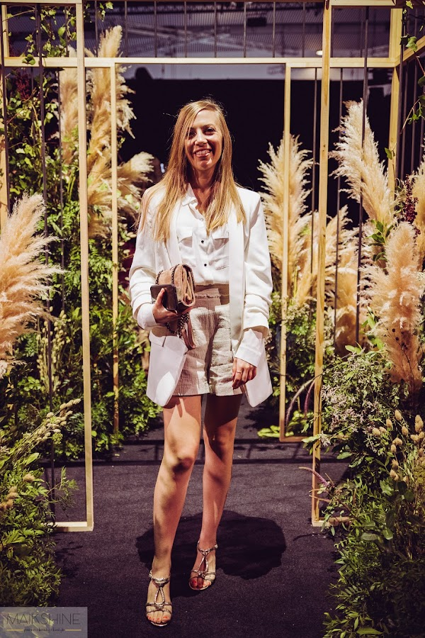 Outfit fashion week total white
