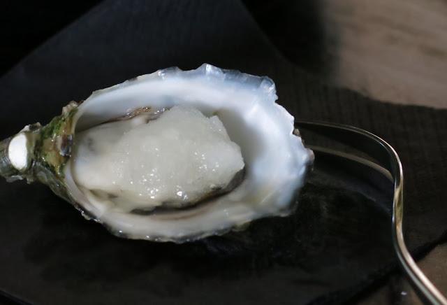 Morris Jones & Co, Windsor, oyster