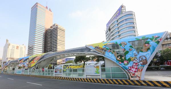 台中西區|全台最大彩繪公車站|結合美食|文化|人情|古蹟|台中花博吉祥物