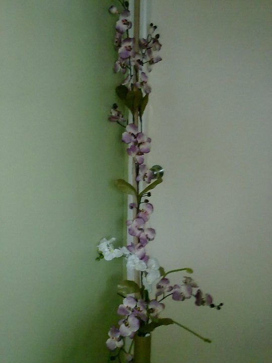 Ni Bunga Orkid Aku Saja Beli Tak Suruh Gubah Kat Kedai So Nila Hasilnya Sendiri Rasa2 Dah Cukup Cantik Kot Sebab Letak Dalam