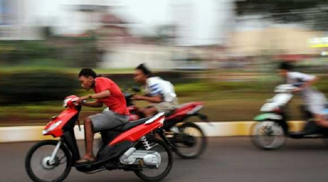 Ngabuburit Balap Liar di Sumedang Dibubarkan Polisi, 2 Motor Ilegal Disita