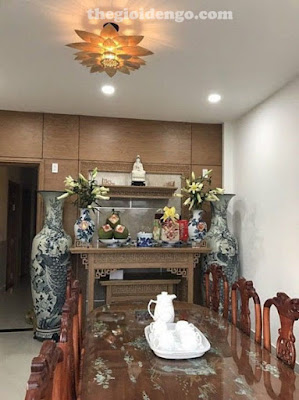 Thế Giới Đèn Gỗ - Đèn gỗ trang trí hoa sen rất thích hợp để trang trí phòng thờ trang nghiêm