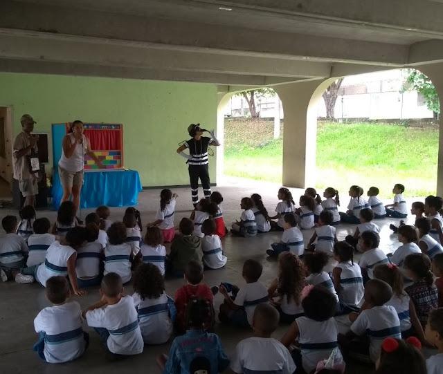 """Escolas municipais da ZO recebem a peça """"Todos contra a Dengue"""""""