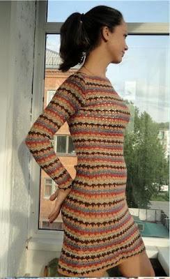 szydelkowa sukienka kolorowa