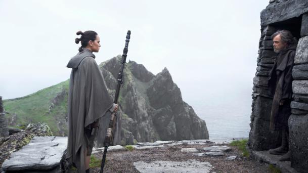 Rey (Daisy Ridley) et Luke Skywalker (Mark Hamill) dans Star Wars 8, les derniers jedi