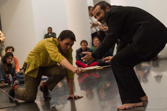 © R.Domínguez - Andrés Corchero e Ivo Sans Presenten Sense Respostes
