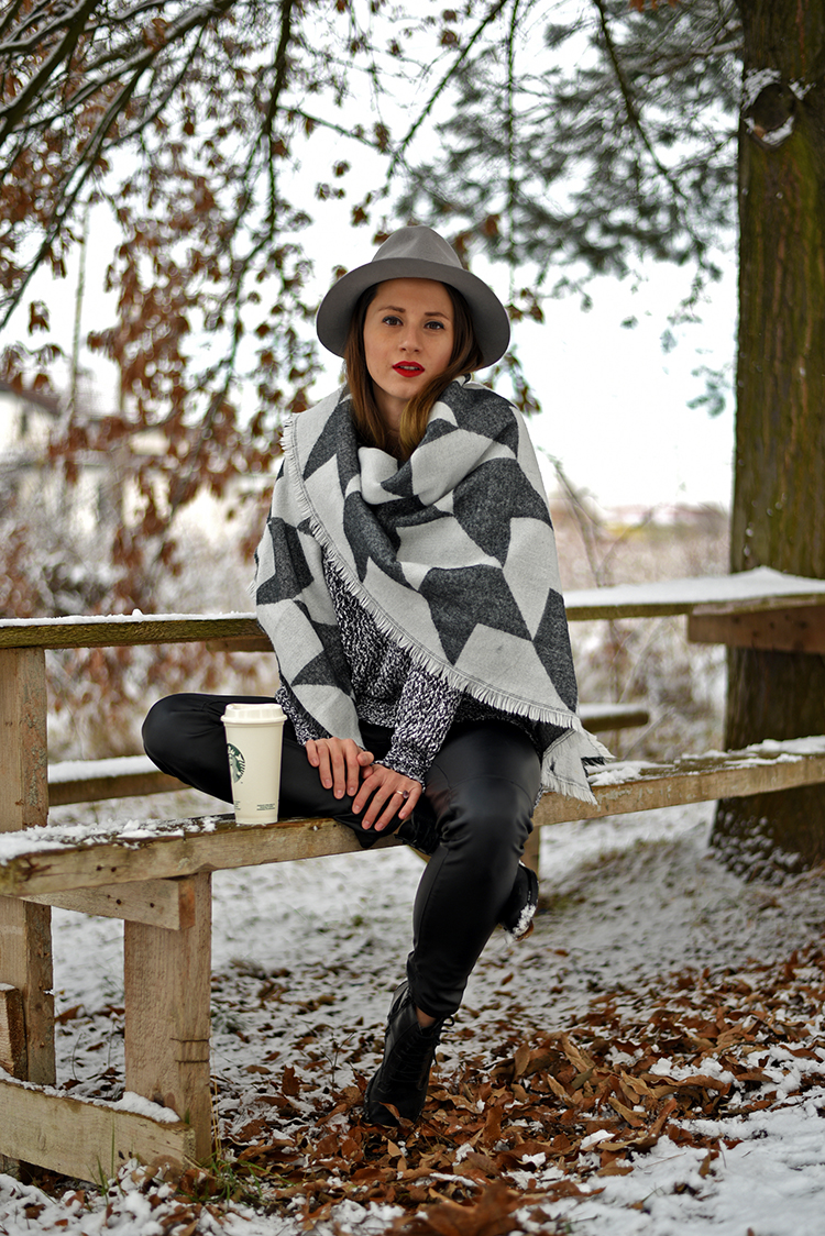 grey hat houndstooth maxi scarf