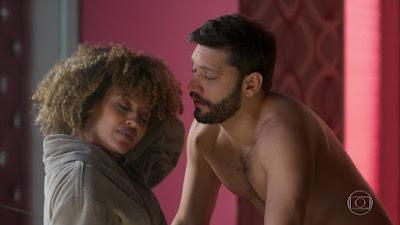 Gisele e Diogo em cena da novela Bom Sucesso (Foto: Reprodução)