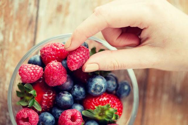 10 Jenis Makanan yang Dapat Membuat Awet Muda