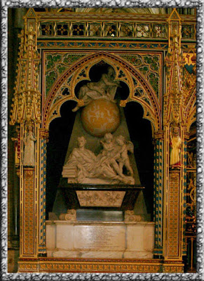 Foto Kuburan Newton di Westminster Abbey