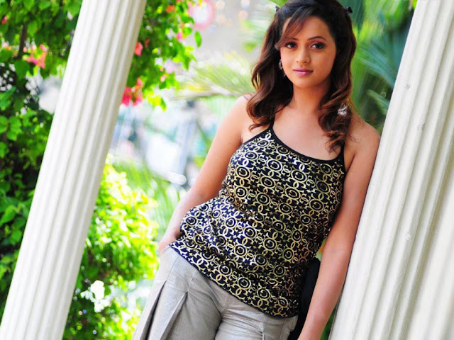 Bhavana Menon HD Wallpapers Free Download