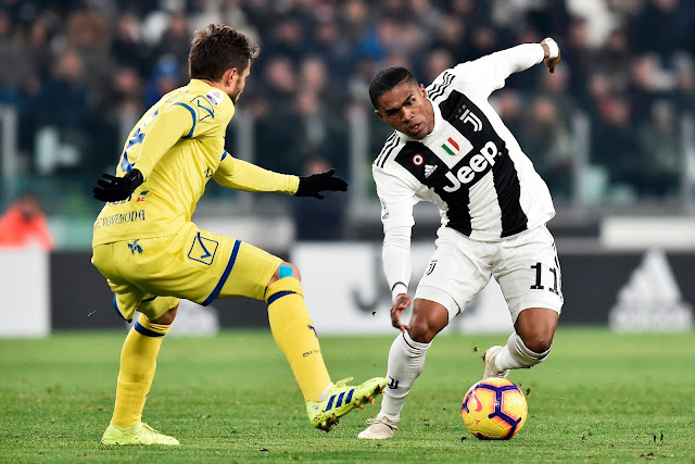 Douglas Costa Juventus Vs Chievo