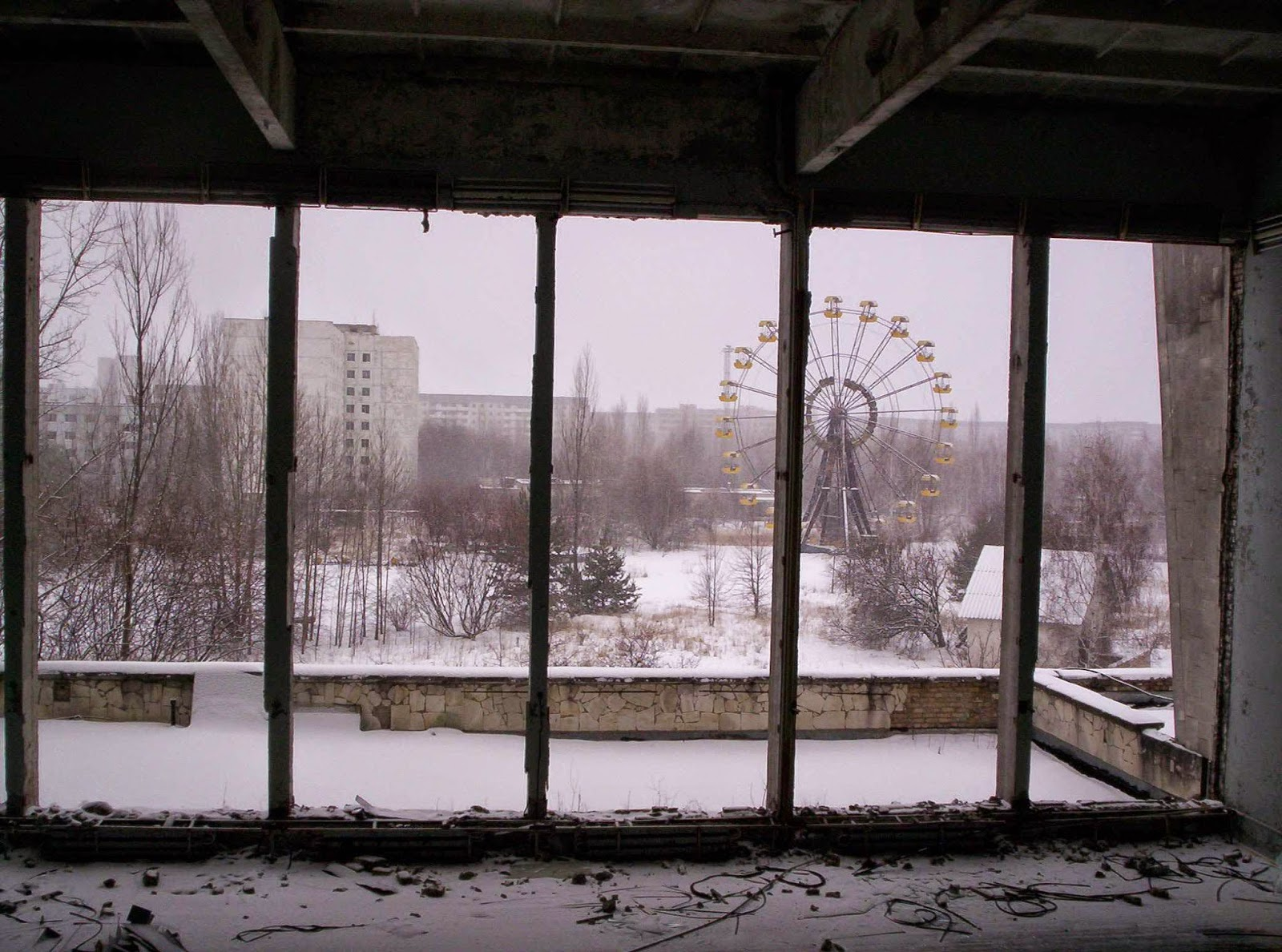 http://allday.com/post/935-pripyat-amusement-park-where-the-ghosts-of-chernobyl-play
