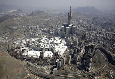 CARA MEREKA MENYUDUTKAN SYARIAT ISLAM…