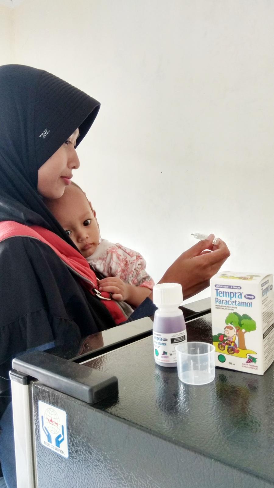 Bukti Cinta Seorang Ibu Sweet Home Tempra Syrup 60ml Tapi Kalau Udah Rewel Dan Manja Baru Lah Saya Kasih Minum Obat Penurun Panas Andalan Adalah