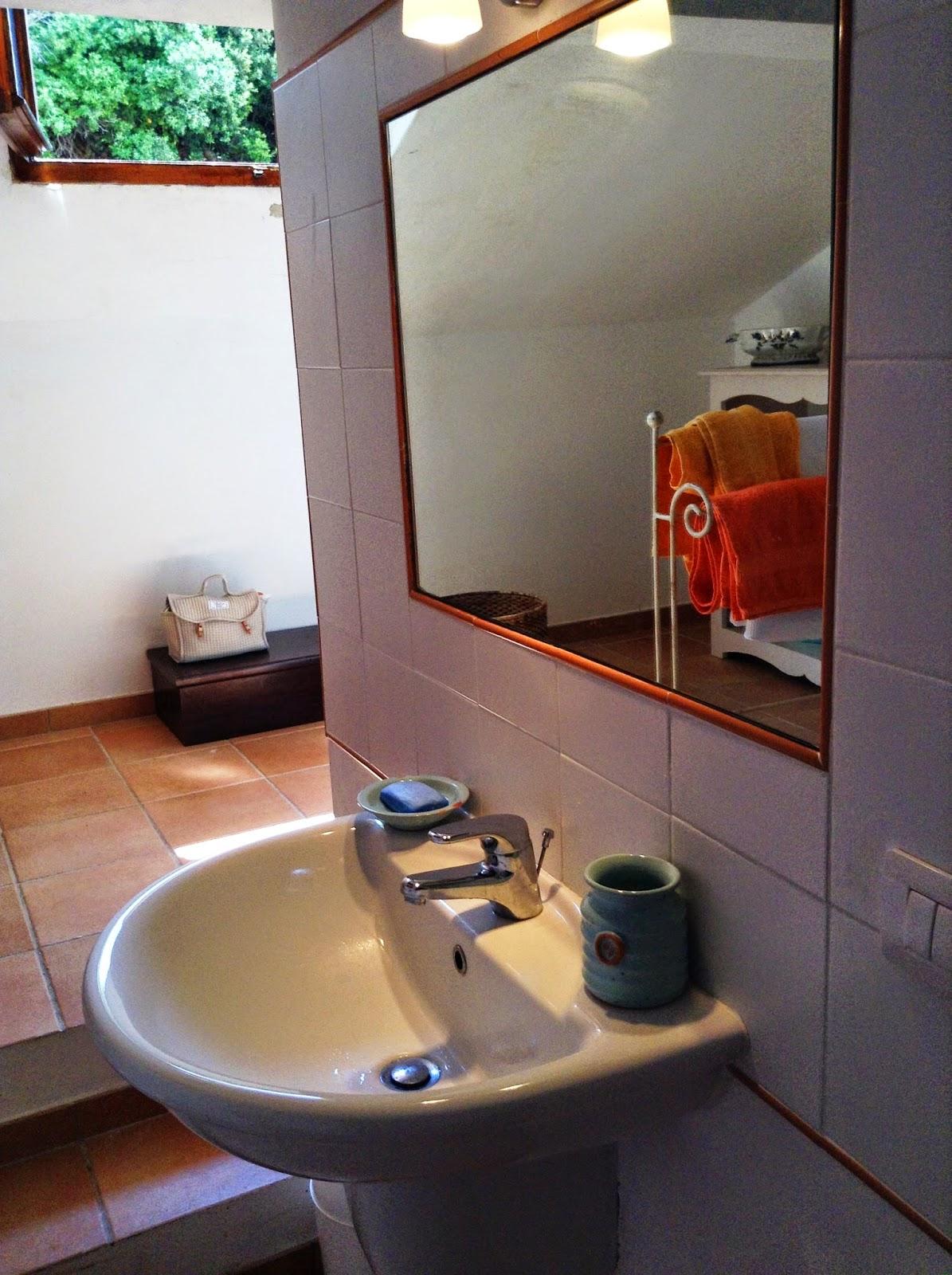 Michele Bonan Accessori Bagno.Tuscan Glam All Isola D Elba Un Appartamento Modern Vintage