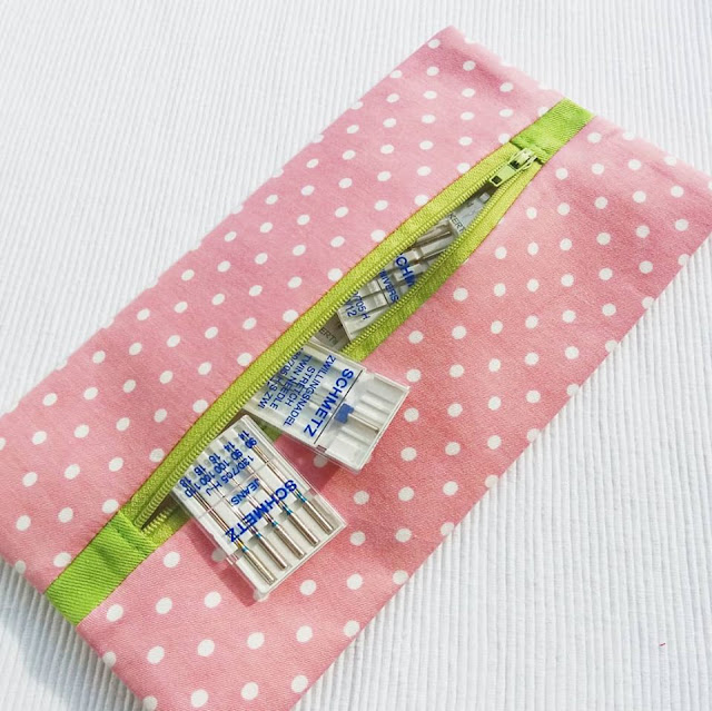 zipper pouch for machine needles