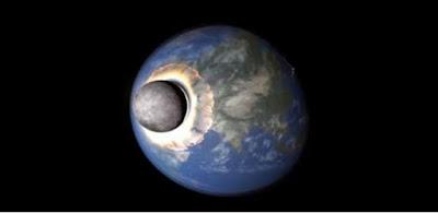 علماء يكشفون موعد اصطدام القمر بالأرض