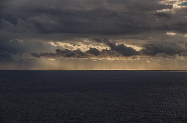 """""""Il Mar Mediterraneo è una delle regioni più soggette all'aumento delle temperature e alla riduzione delle precipitazioni, dove gli effetti del riscaldamento globale si manifestano più rapidamente che negli oceani, anche perché i tempi di ricambio delle acque sono relativamente brevi rispetto a quelli di un oceano"""""""