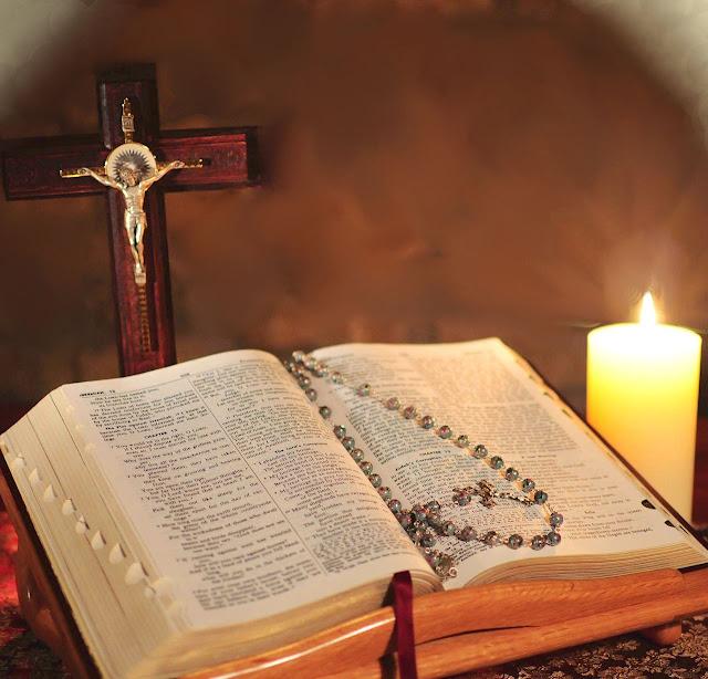 Não lhe bastou adulterar um novo Evangelho, e passou a recortar os livros inspirados.