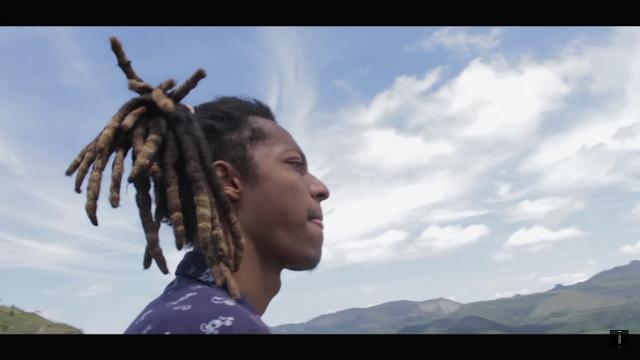 """Assista """"Nuvens"""", o novo clipe do rapper mineiro Delatorvi"""