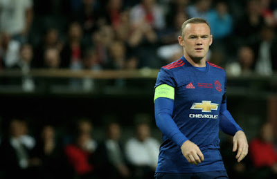 Last Substitution for Manchester United Wayne Rooney replaces Juan Mata