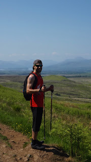 Hegymászó a skót hegyekben