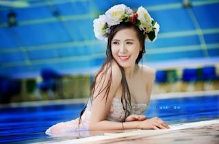Gái xinh facebook DJ Mai Thỏ lộ núm