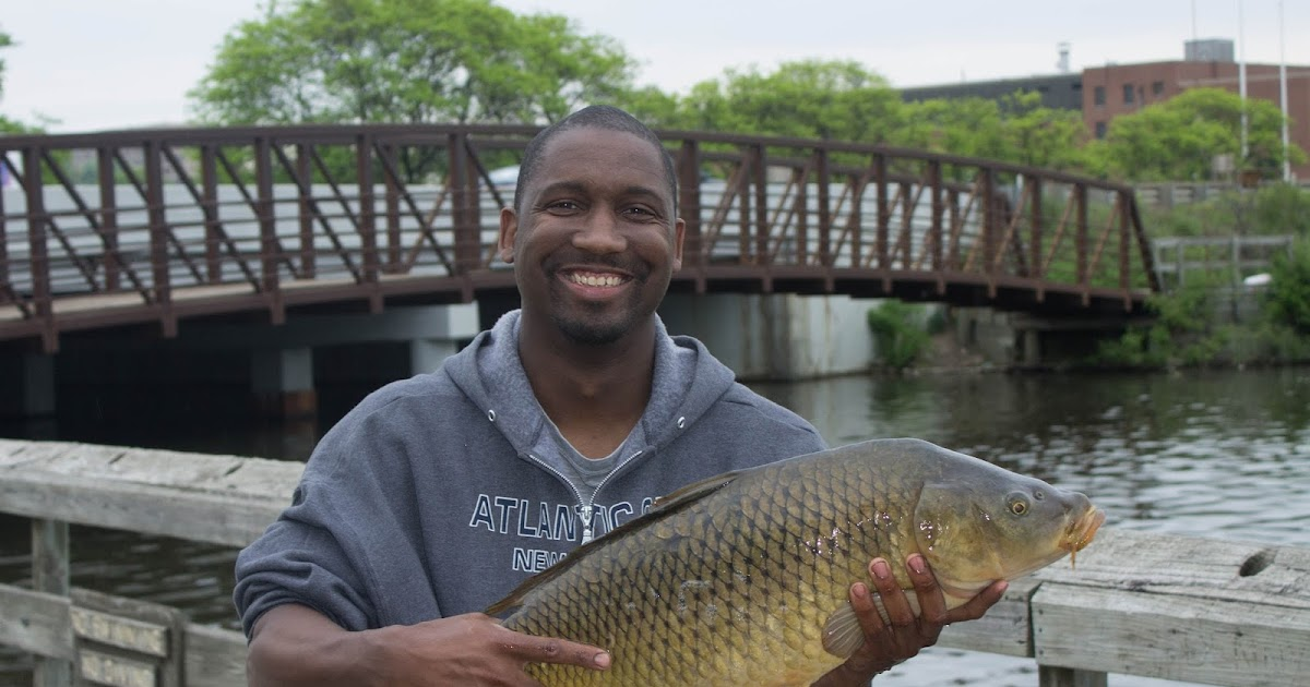 The Urban Sportsman: Ford Lake Carp Fishing With Bass Hooks