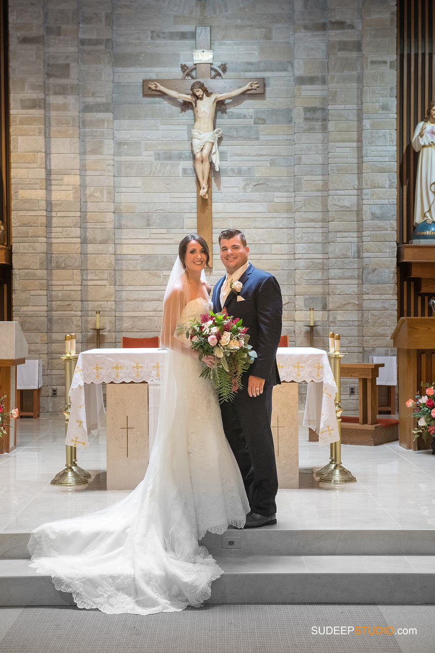 Gorgeous Wedding Portrait in Church Wedding SudeepStudio.com Ann Arbor Wedding Photographer