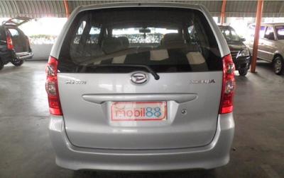 Daihatsu Xenia Gen1 Facelift Tampak Belakang