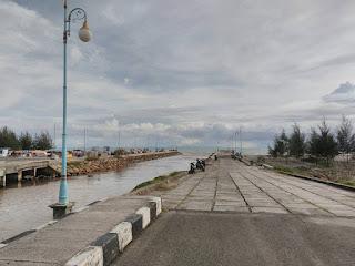 Pantai Muara Manggung