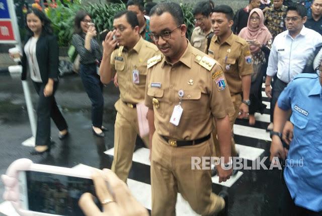 Anies: Jangan Berimajinasi Becak Ada di Jalan Utama Jakarta