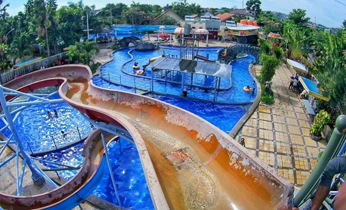 Tempat Wisata di Semarang Semawis Waterpark