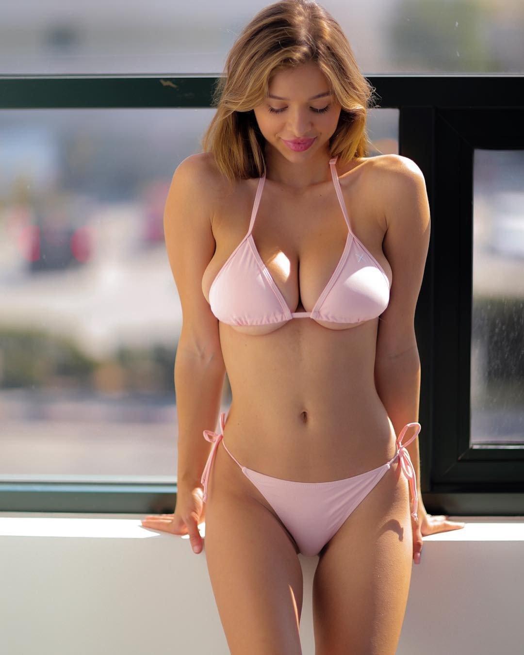 see-hot-girl