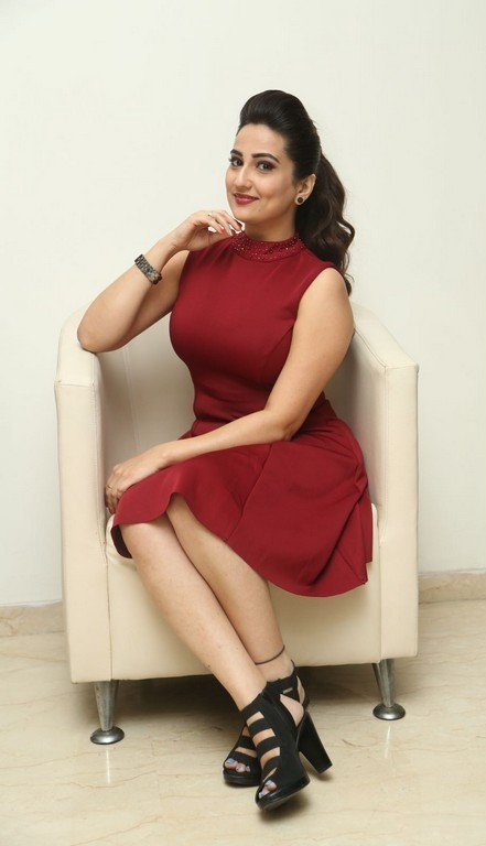 Telugu Tv Anchor Long Legs Thighs Stills Manjusha