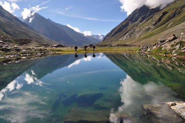Manimahesh-Lake