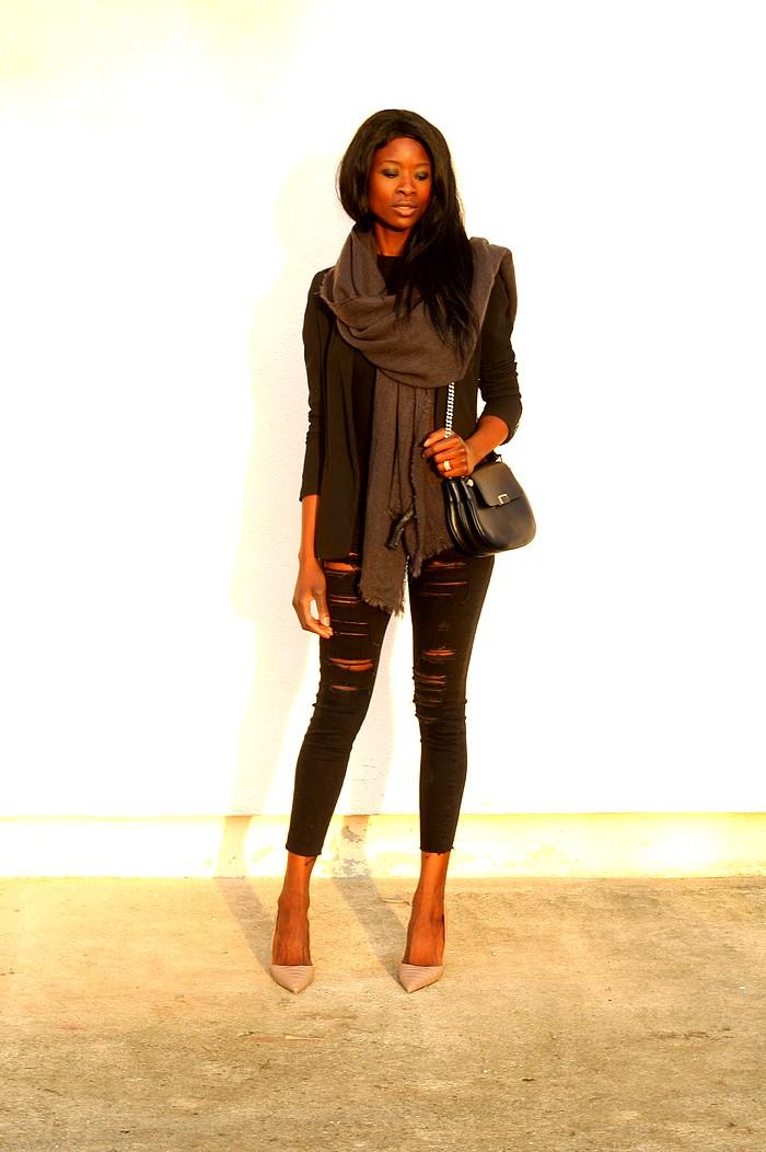 Sac drew chloe like Blazer noir jeans dechire escarpins nude