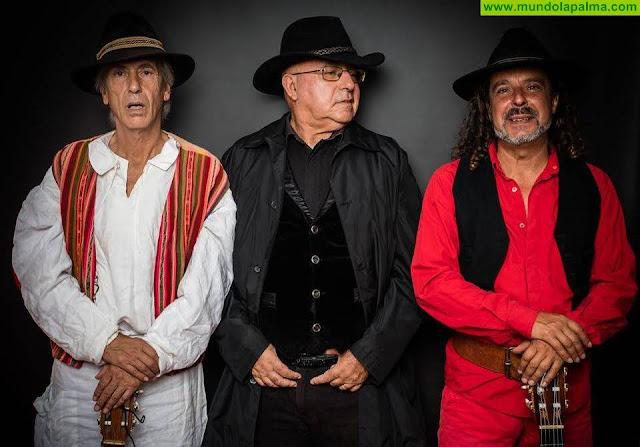Las actuaciones de Anticraisis y Parranda La Palma en la plaza de España abren el año musical en Santa Cruz de La Palma