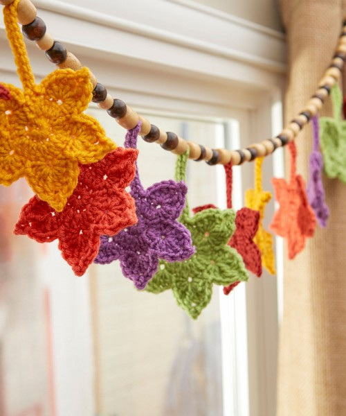 Fall Leafy Banner - Free Pattern