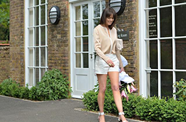 Michelle, RetroChicMama wears Winser London