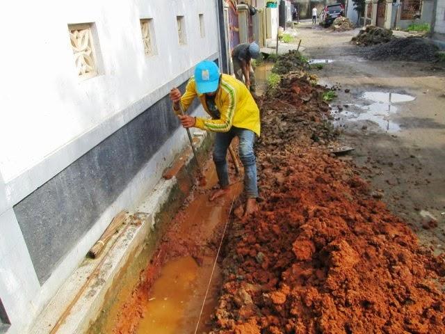 Kelurahan Beji Depok Pembuatan Dan Normalisasi Saluran Air Di Rt 06