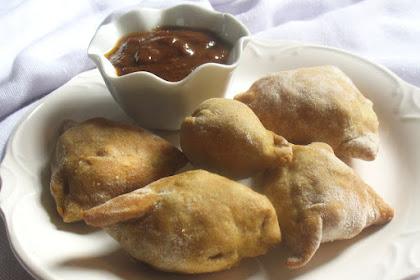 Baked Mini Vegetable Chickpea Samosas
