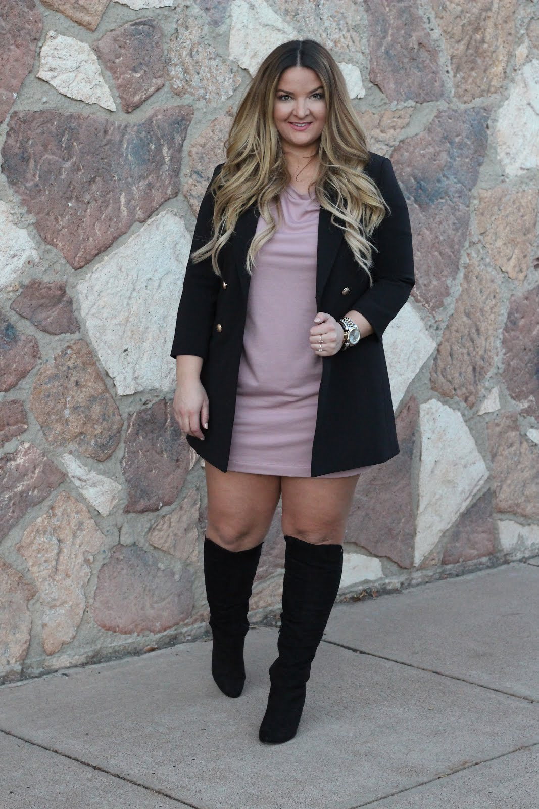 Everyone needs a longline blazer by popular Denver fashion blogger Delayna Denaye