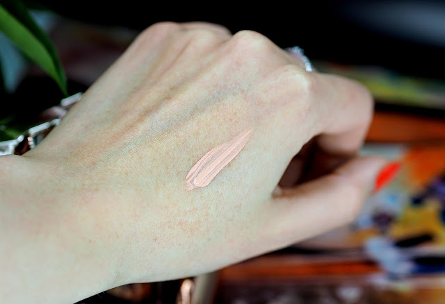 Touche-Éclat-Neutralizer-in-Apricot-Bisque-review-swatch